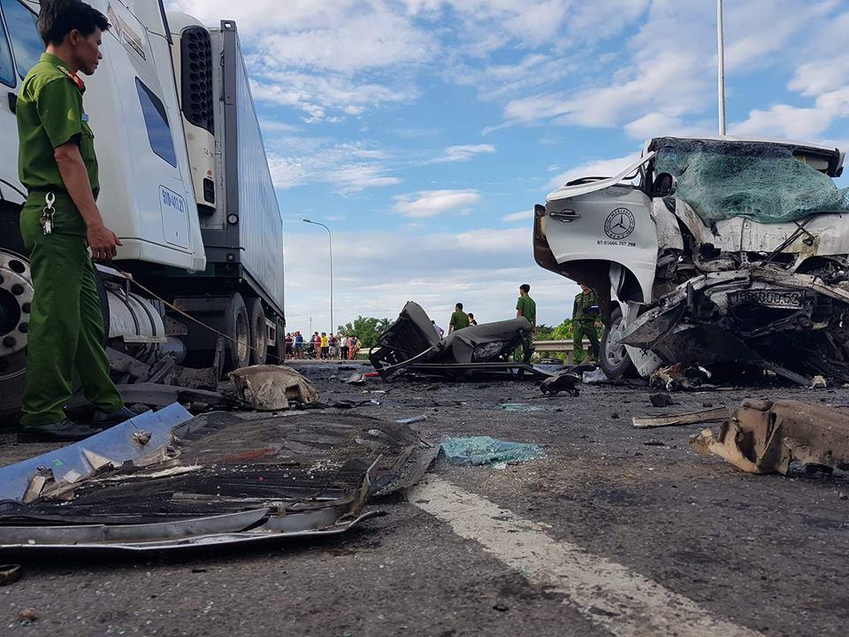 Tai nạn thảm khốc khiến 13 người tử vong: Cô dâu khóc ngất, tức tốc lên đường gặp chú rể lần cuối - Ảnh 3
