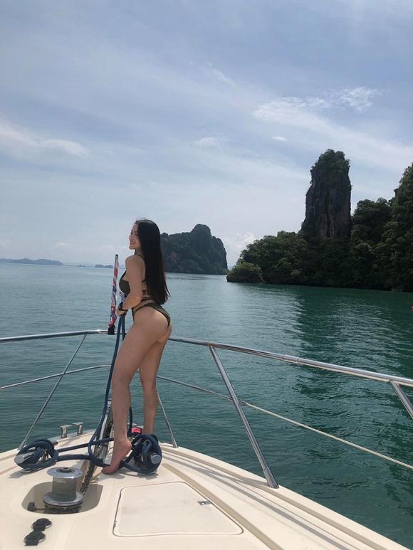 thuy top mac bikini 6