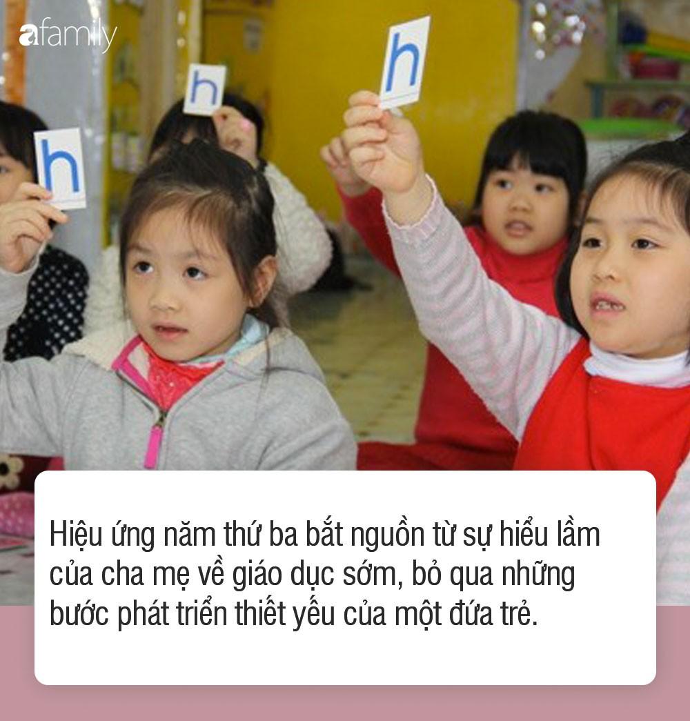 Hiệu ứng năm thứ 3 và tác hại của việc cho con học chữ trước khi vào lớp 1 - Ảnh 1