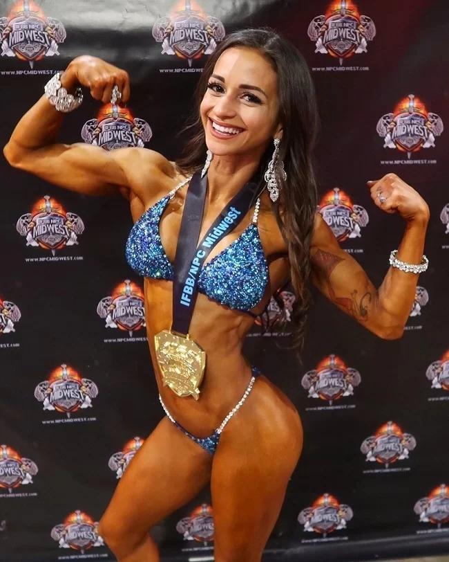 Nữ vận động viên chứng minh ăn chay vẫn có cơ bắp cuồn cuộn - Ảnh 1
