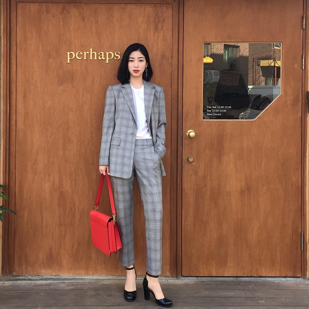 4 công thức diện đồ kinh điển nhưng không hề nhàm chán giúp các nàng công sở mặc đẹp suốt cả mùa thu năm nay - Ảnh 8