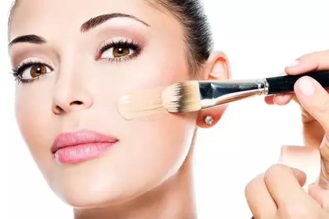 7 lỗi makeup cơ bản mà nhiều chị em dù biết vẫn rất hay mắc phải, khiến cho gương mặt trở nên kém hoàn hảo - Ảnh 3