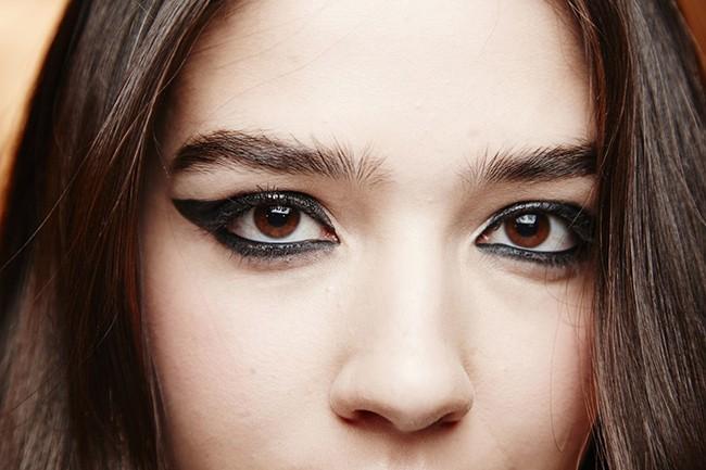 7 lỗi makeup cơ bản mà nhiều chị em dù biết vẫn rất hay mắc phải, khiến cho gương mặt trở nên kém hoàn hảo - Ảnh 5