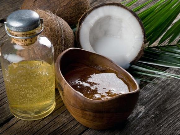 Dùng dầu dừa để ủ theo cách này, tóc mọc dài cực nhanh, khô xơ cỡ nào cũng trở nên mềm mượt - Ảnh 1