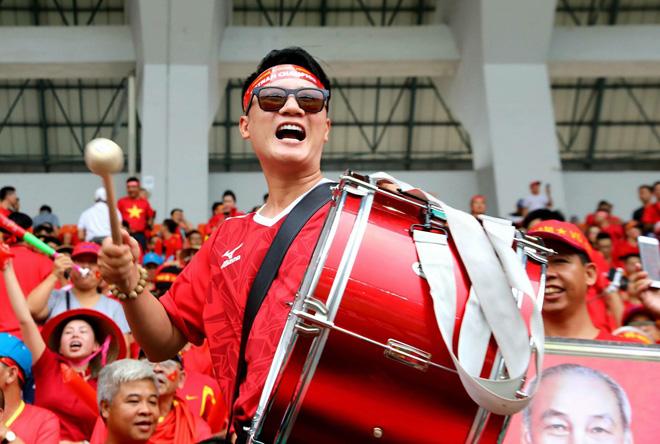 Sao Việt bức xúc trước fan cuồng chỉ trích HLV Park - Ảnh 3