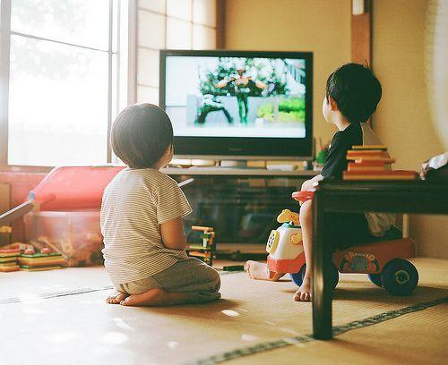 Những điều cha mẹ nên áp dụng khi con trẻ kích động và mất kiểm soát - Ảnh 2