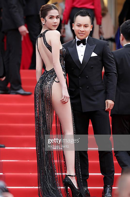 Sau Cannes 2019, 'nữ hoàng nội y' Ngọc Trinh mãi mới có dịp đi Bali để cởi toàn tập 'đốt mắt' khán giả - Ảnh 1
