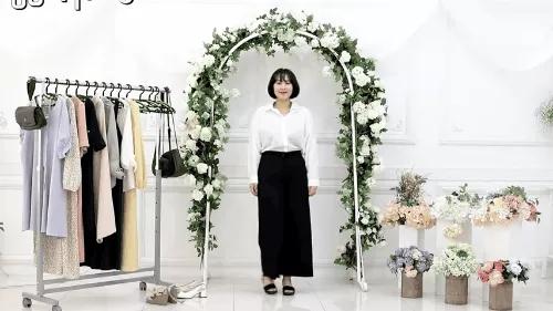 Gợi ý 10 bộ đồ chuẩn giúp bạn thật đẹp đi dự đám cưới mà không sợ bị đánh giá 'làm lố' - Ảnh 3