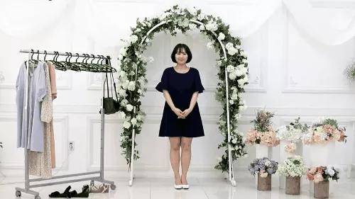 Gợi ý 10 bộ đồ chuẩn giúp bạn thật đẹp đi dự đám cưới mà không sợ bị đánh giá 'làm lố' - Ảnh 7