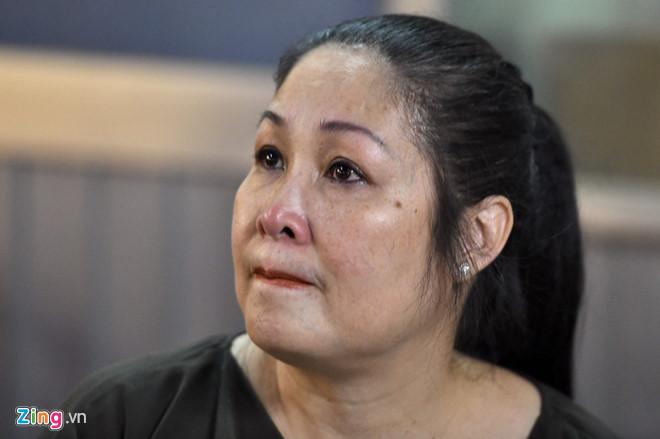 Nghệ sĩ Việt nghẹn ngào sau đêm diễn cuối của sân khấu kịch Hồng Vân - Ảnh 1