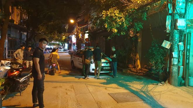 Mẹ của tài xế taxi bị người ngồi trong xe Mazda bắn: 'Nó cố tình giết con tôi' - Ảnh 2