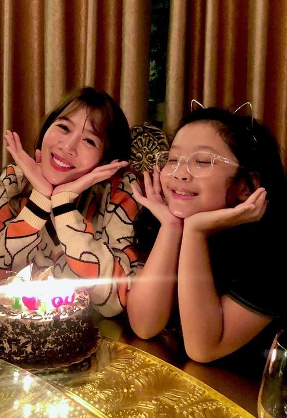 MC Diệp Chi đón sinh nhật bên con gái, vắng bóng chồng - Ảnh 5