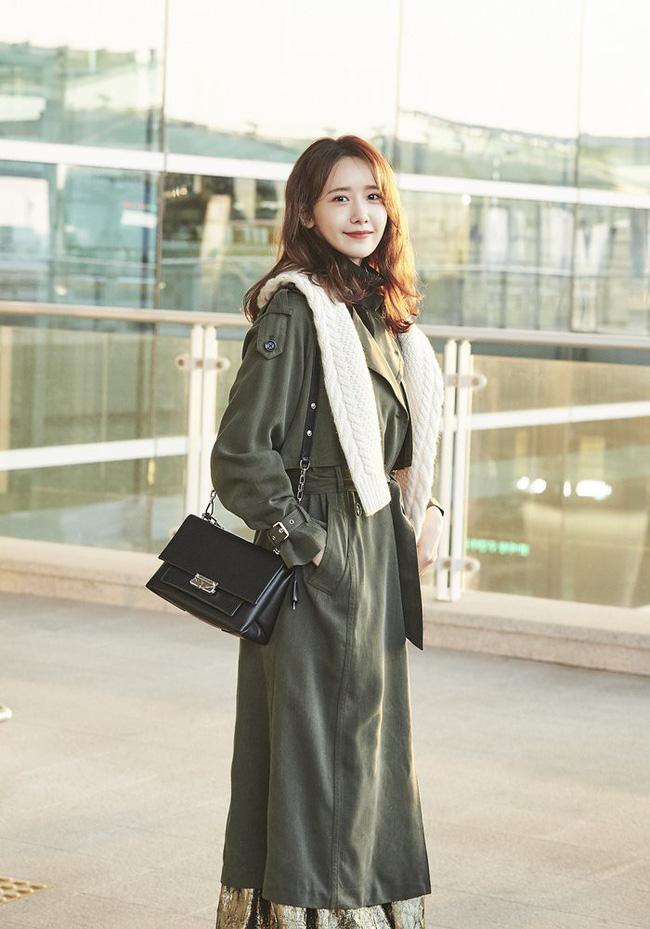 Những cách diện trench coat thanh lịch cá tính từ các kiều nữ Hàn dành cho nàng công sở ngoài 30 - Ảnh 5