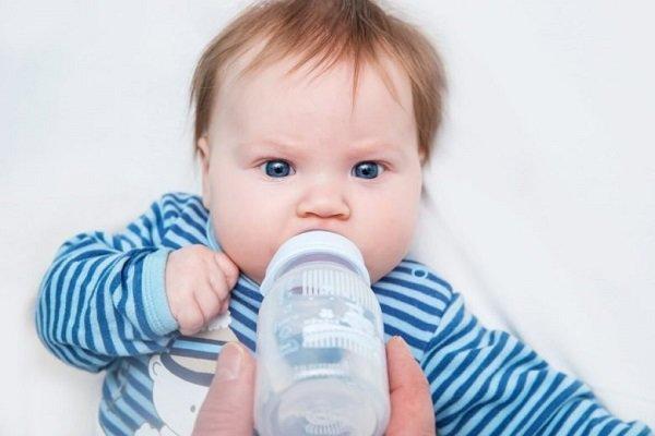 Trẻ bị nghẹt mũi, khó thở khi ngủ báo hiệu bệnh gì? - Ảnh 4