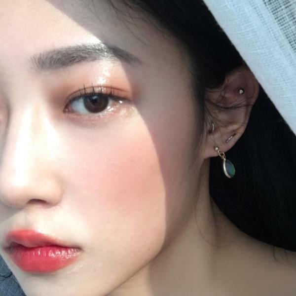 2 tuyệt chiêu trang điểm đôi mắt long lanh của hotgirl Hàn chuẩn bị đón năm mới - Ảnh 3