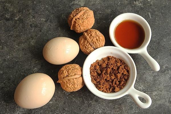 Món trứng hấp đường nâu cho bữa sáng đảm bảo dinh dưỡng - Ảnh 1