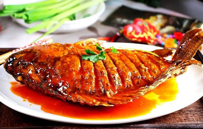Học ngay món cá chiên giòn xốt chua ngọt vừa ngon vừa đẹp cho tiệc cuối năm thêm tròn đầy - Ảnh 4
