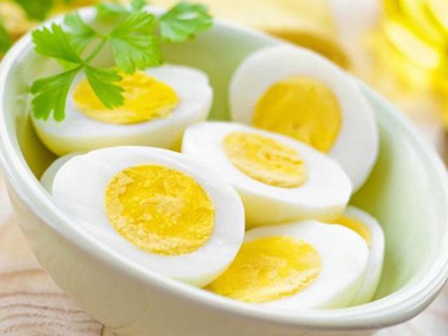 Cảnh báo: Cho trẻ ăn trứng không đúng cách coi chừng hại con, ăn trứng bao nhiêu là đủ? - Ảnh 4