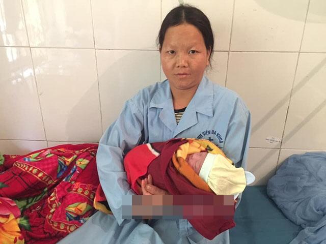 Chiều 26 Tết, bác sĩ đỡ đẻ thành công cho thai phụ bị rơi xuống khe núi sâu 10 mét - Ảnh 2