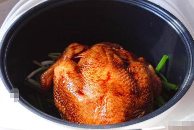 Không cần nước hay dầu ăn, cho thịt gà vào nồi cơm điện được ngay món nướng ngon thế này - Ảnh 2