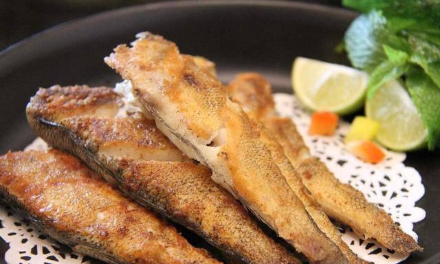 Khi rán cá, chỉ cần thêm bước này, đảm bảo cá giòn tan không mềm, nát - Ảnh 3