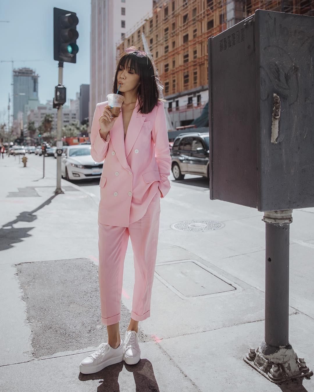 5 bí kíp ăn mặc giúp phụ nữ sở hữu phong cách thời thượng, sang trọng và nổi bật trong dịp Tết - Ảnh 3