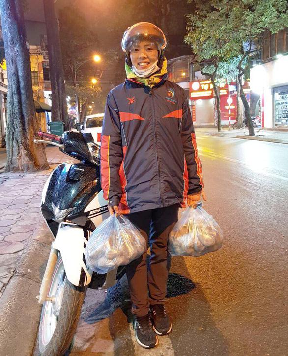Bùi Thị Thu Thảo: Nhà vô địch Asiad 18 đi bán khoai lang - Ảnh 1