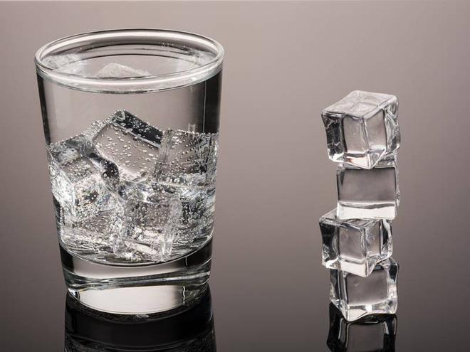 Uống nước thế nào cho đúng: Chuyên gia phân tích loại nước tốt nhất bạn nên uống hàng ngày - Ảnh 2