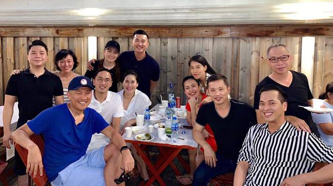 Vợ chồng Tăng Thanh Hà diện 'đồ đôi' hội ngộ cùng hội bạn thân đắt giá trong ngày sinh nhật của hai con - Ảnh 2