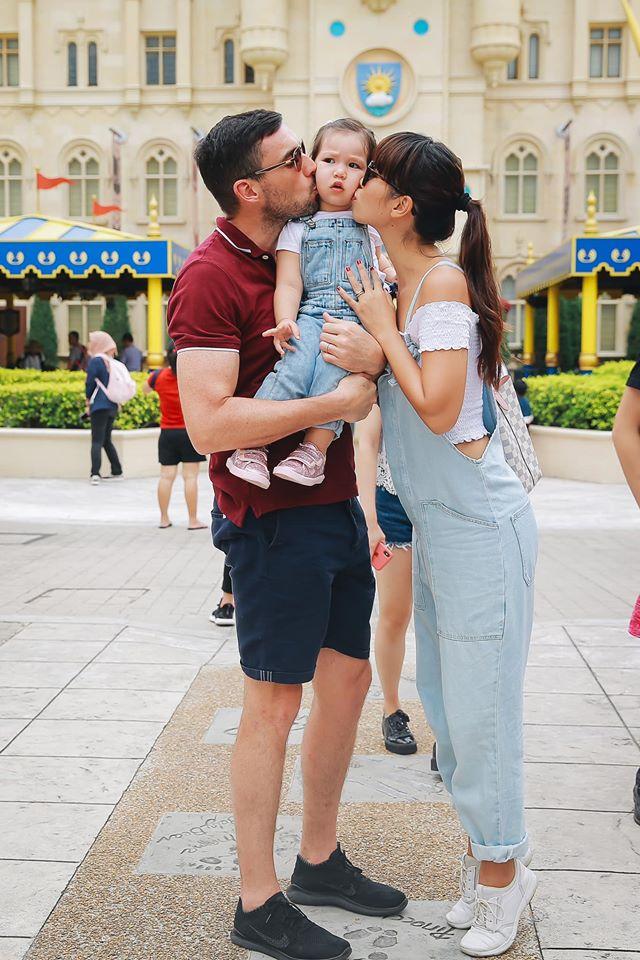 Khoe ảnh Myla vui chơi ở nhà vô cùng đáng yêu, nhưng siêu mẫu Hà Anh khẳng định ngầm chân lý nuôi dạy con gái qua 1 chi tiết - Ảnh 3
