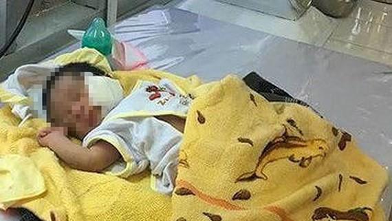 Bé trai bị chôn sống ở Bình Thuận: Mẹ nói chỉ đặt con xuống và cào đất phủ lên chứ không chôn - Ảnh 4