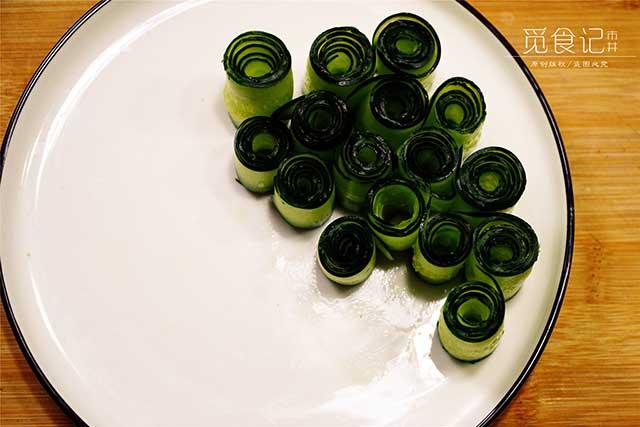 5 phút biến tấu món salad dưa leo chim công đẹp ngon hết sảy - Ảnh 3