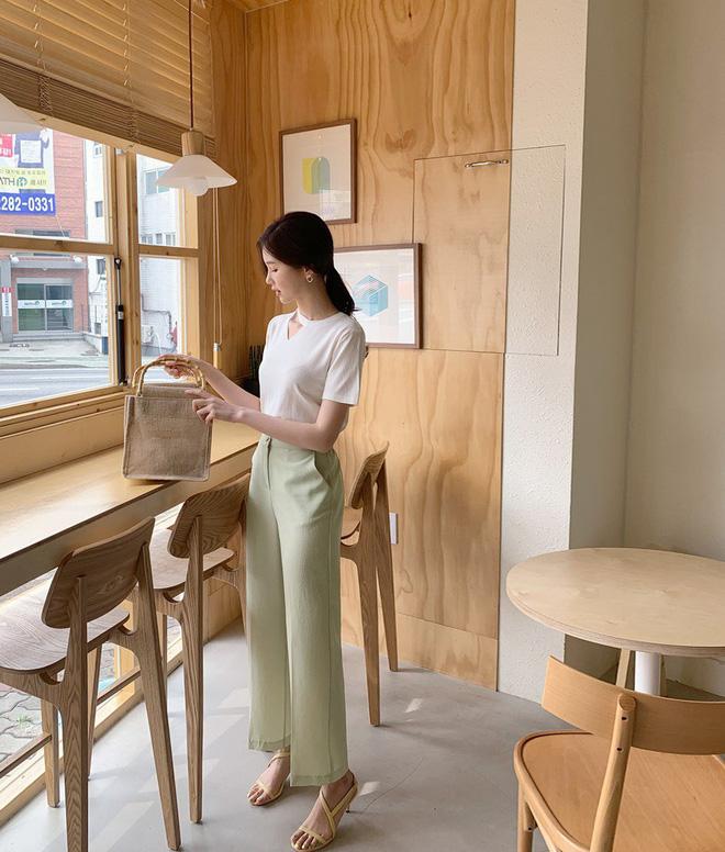 Tới chỗ làm, nàng công sở đừng diện 5 items khiến người ta hoang mang về độ duyên dáng và chuyên nghiệp này - Ảnh 14