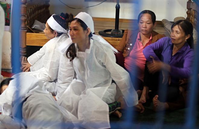 Vụ chú rể và 12 người thân trong đoàn rước dâu tử vong vì tai nạn: Những đứa trẻ bỗng chốc... mồ côi - Ảnh 5