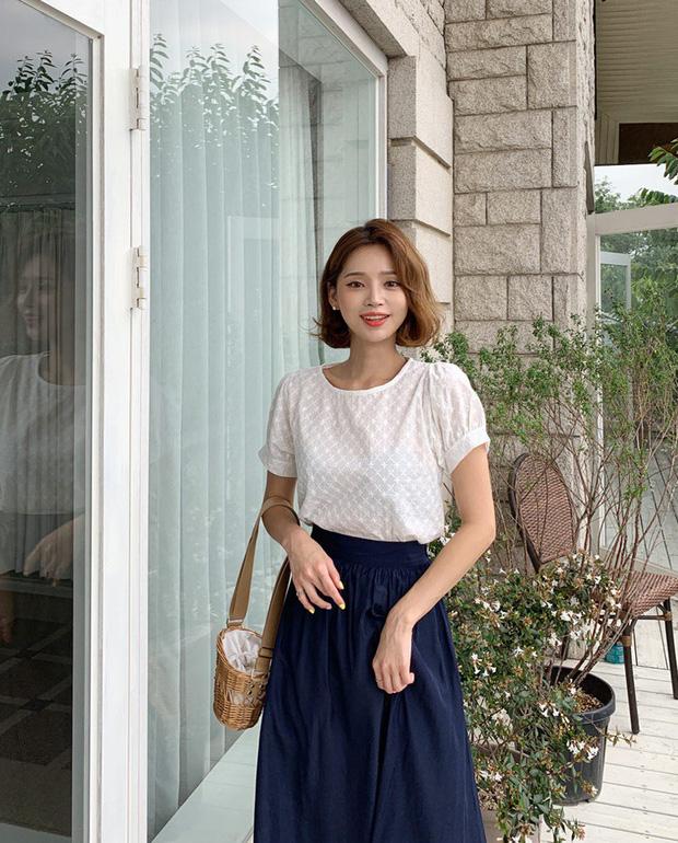 """4 mẫu áo blouse chống chỉ định chị em diện đi làm bởi kiểu thì hở hang quá, kiểu thì """"bô nhếch"""" kém sang - Ảnh 3"""