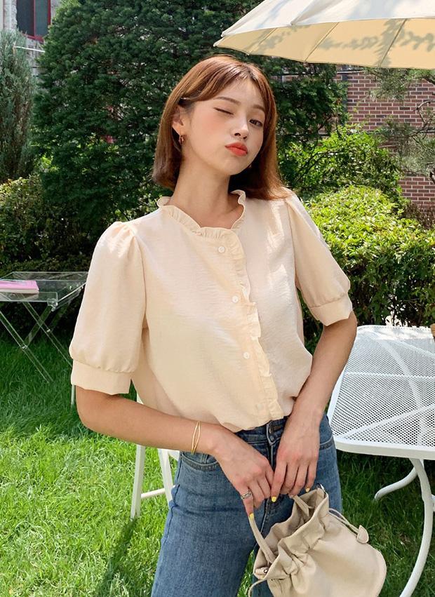 """4 mẫu áo blouse chống chỉ định chị em diện đi làm bởi kiểu thì hở hang quá, kiểu thì """"bô nhếch"""" kém sang - Ảnh 6"""