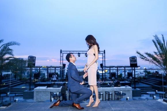 Lan Khuê e ấp bên chồng sắp cưới khi đi du lịch ở Pháp - Ảnh 9