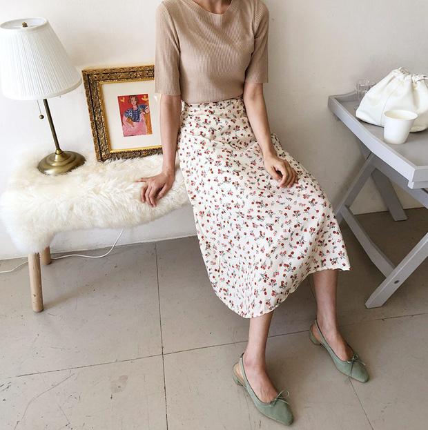 Những kiểu chân váy họa tiết xinh yêu giúp nàng thêm duyên dáng - Ảnh 13