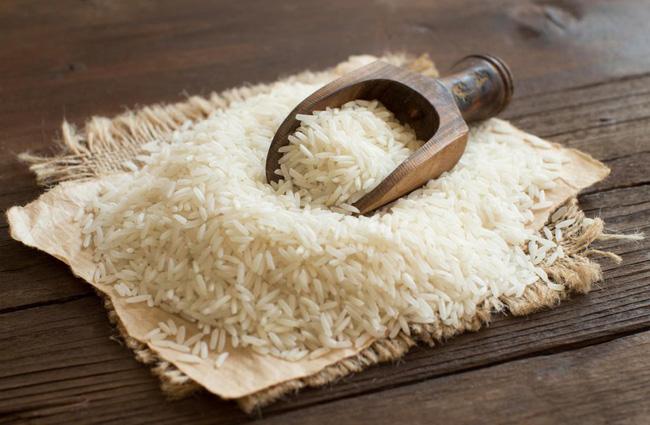 Mua gạo về là tôi lại cho 'vũ khí bí mật' này vào thùng bảo quản, có để cả tháng gạo cũng không bị mốc meo, mối mọt - Ảnh 3