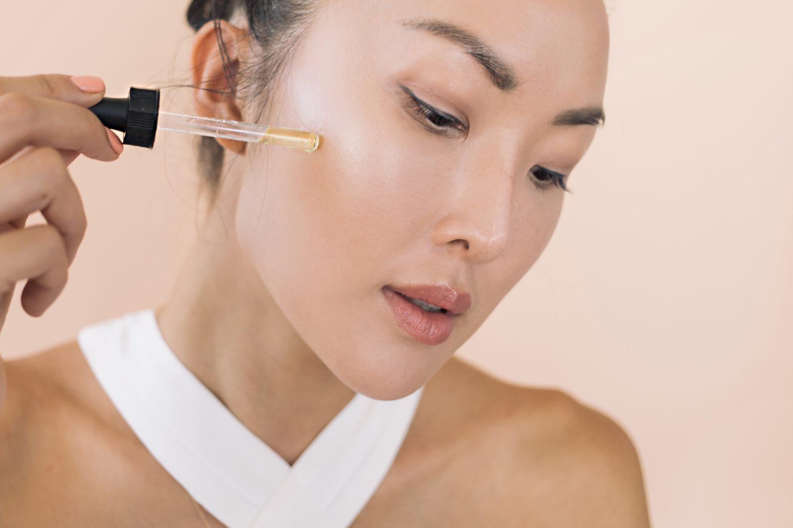 Trời sang thu, cần thay đổi 6 thói quen chăm sóc hàng ngày này để làn da luôn hồng hào, mềm mịn - Ảnh 1