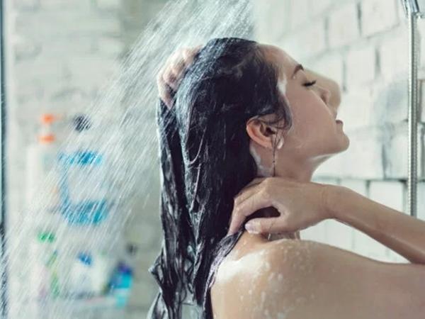 Bí quyết ngăn ngừa tóc khô xơ mùa thu đông - Ảnh 1