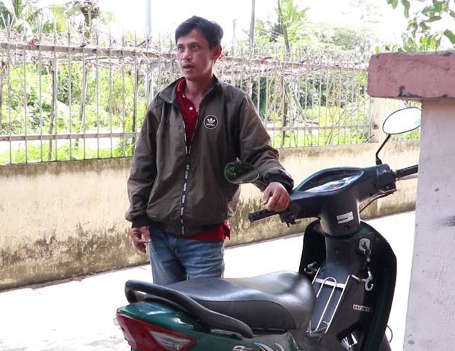 Chạy xe đạp từ TP. HCM về miền Tây thăm con rồi trộm luôn xe máy - Ảnh 1