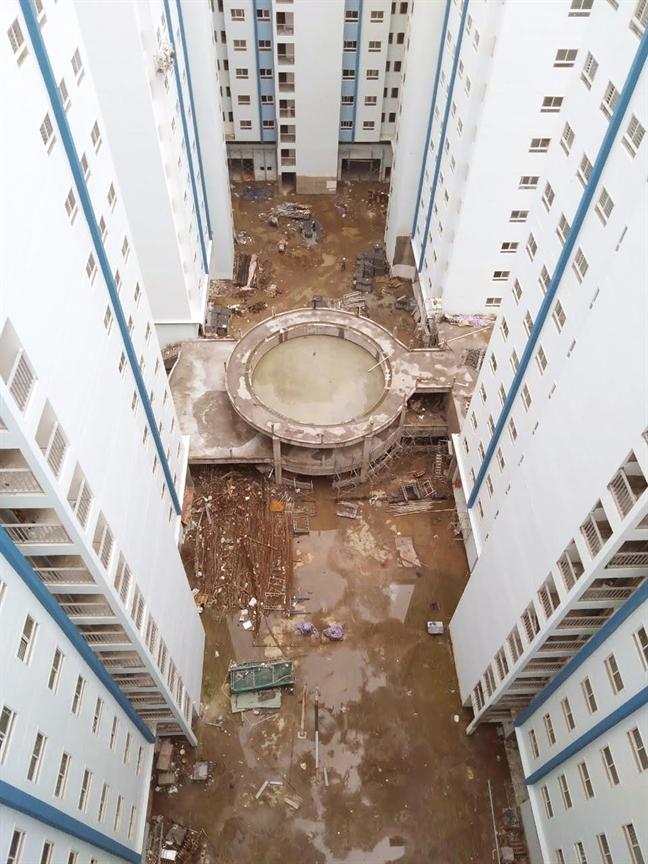 Dự án 35 Hồ Học Lãm xây chưa xong đã ép dân vào ở - Ảnh 4