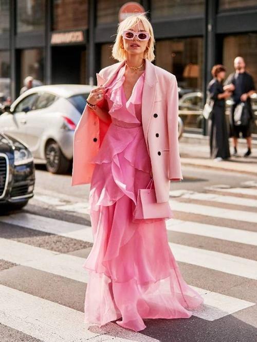 Quy tắc mặc màu hồng không sến cũng chẳng bánh bèo - Ảnh 1