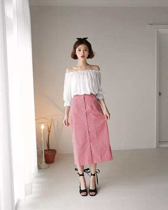 Váy áo màu nổi cho mùa thu - Ảnh 11
