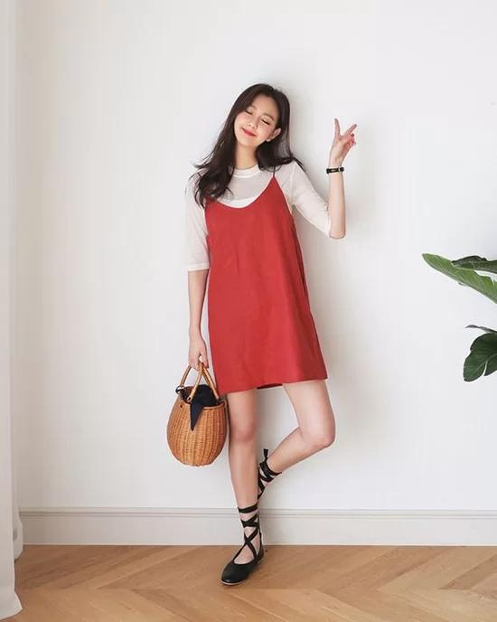 Váy áo màu nổi cho mùa thu - Ảnh 5