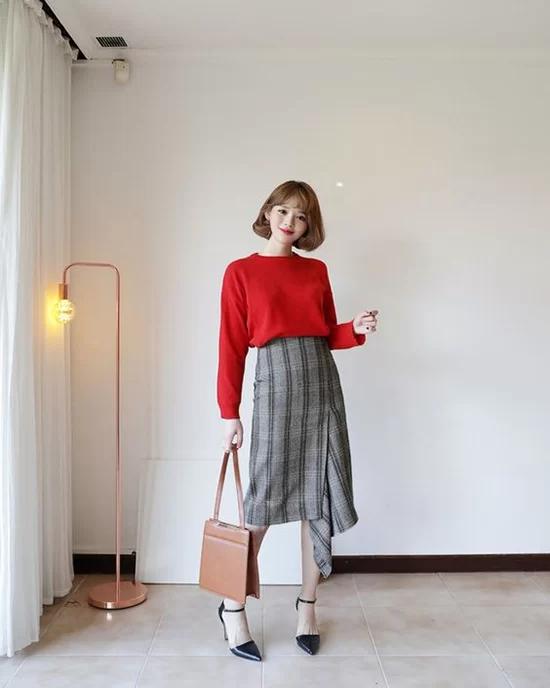 Váy áo màu nổi cho mùa thu - Ảnh 10