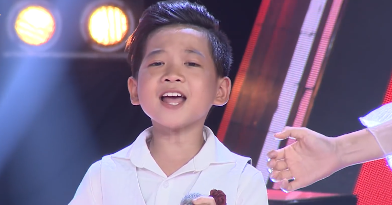 Giọng hát Việt nhí: Cậu bé với biểu cảm như 'ông cụ non' khiến Soobin Hoàng Sơn không nhịn được cười - Ảnh 6