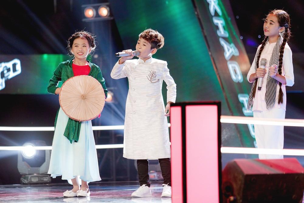 Giọng hát Việt nhí: Cậu bé với biểu cảm như 'ông cụ non' khiến Soobin Hoàng Sơn không nhịn được cười - Ảnh 10