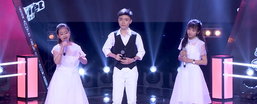 Giọng hát Việt nhí: Cậu bé với biểu cảm như 'ông cụ non' khiến Soobin Hoàng Sơn không nhịn được cười - Ảnh 11